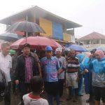 Berikan Bantuan, Wawali Mor Kunjungi Korban Banjir