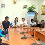 Warga Ranotana Korban Banjir Manado 2014 Datangi Gedung Wakil Rakyat