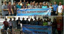 Bakti sosial Komisi PKB dan Panji Yosua untuk korban banjir bandang di Bitung.