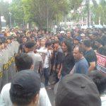 Aksi Penolakan Fahri Hamzah di Sulut Berujung Ricuh