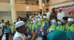 26 Calin Jemaah Haji asal Minut dilepas di Kantor Kabupaten Minut.