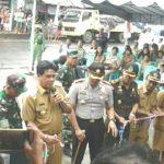 Bupati Salurkan Bansos Dan Resmikan Pasar Rakyat Tamako