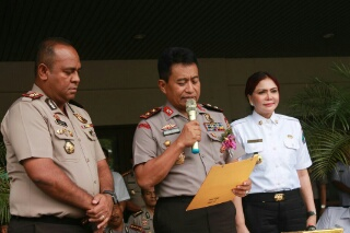 Dari kanan kekiri: Bupati Minut Vonnie Panambunan, Kapolda Sulut Irjen pol Bambang Waskito dan Kapolres Minut Alfaris Pattiwael.