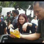 Peduli Rakyat, Bupati VAP Berbagi Sembako di Koramil Dan Pasar Airmadidi
