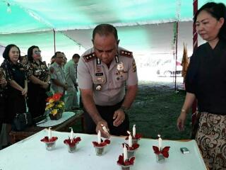 Kapolres Minut Alfaris Pattiwael turut serta dalam perayaan Natal KBP-Polri.