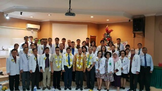 Tim Asesor bersama Dekan Faked Unsrat, direksi RSUP Prof Kandou, dan jajaran Prodi Ilmu Penyakit Dalam.