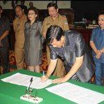 Wali Kota GSVL Hadiri Gelar Paripurna DPRD Kota Manado
