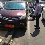 Penertiban Parkir Hari ke-12. Lagi Dan Lagi, Plat Merah Kena Sanksi Pengembosan