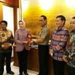 Bertemu Wakapolri, Wali Kota Vicky Lumentut dan Pengurus APEKSI Bahas Rakernas APEKSI 2018