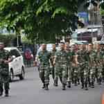 Lari Jalan Jaga Kebugaran Prajurit Korem 131/Santiago
