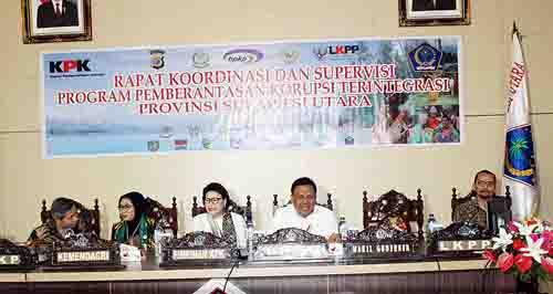 Gubernur Sulut Olly Dondokambey dan perwakilan KPK.