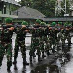 Prajurit Korem 131/Santiago Tingkatkan Kemahiran Menembak