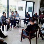 Aksi Unjuk Rasa Damai Said Datu dan Keluarga. Minta PN Airmadidi Percepat Putusan Sengketa Tanah Dengan PT Korin
