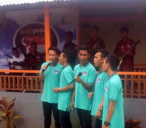 Aksi ABI Band yang beranggotakan sejumlah anak didik LPKA Kelas II Tomohon.