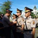 Kapolres Manado Inspektur Upacara Sertijab 4 Jabatan Inti