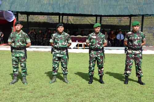 (Dari kiri) Letkol Inf Elvino Yudha Kurniawan, Mayor Inf Raja Gunung Kurniawan, Mayor Czi Ibnu Muntaha, dan Mayor Czi Bhakti Yuhandika.