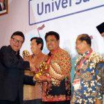 Kado Terindah  Satu Tahun Kepemimpinan Gahagho, Sangihe Terima UHC JKN-KIS Award