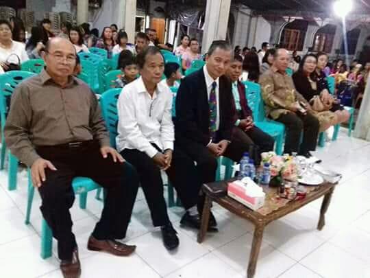 Para jemaat yang hadir dalam ibadah.