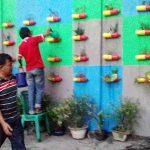Isi Hari Libur, Kelurahan Wensel Buat Vertikal Garden