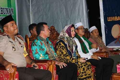 Bupati Minut Vonnie Anneke Panambunan saat mengikuti acara bukber.