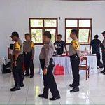 Cek Kesiapan Personil Pengamanan Pilkada Mitra, Kapolres Minsel Tinjau PPK