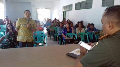 Suasana sharing program antara aparat kecamatan dengan Dandim 1309/Manado Letkol Inf Arif Harianto.