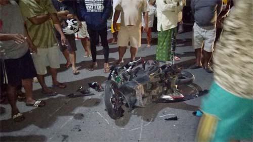 Kendaraan milik korban yang mengalami rusak parah akibat tabrakan.