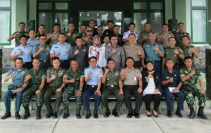 Pimpinan Korem 133/Nani Wartabone dan Lemhannas RI bersama peserta SSDN PPRA 58 di Makorem 133/Nani Wartabone.