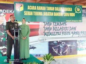 Letkol Inf Arif Harianto membawakan sambutan.