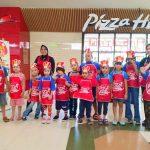 Belasan Anak Berkebutuhan Khusus Rasakan Langsung Cara Bikin Pizza di Megamall