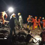 Tim SAR Gabungan Evakuasi Lima Warga Tertimbun Longsor, Satu Orang Selamat