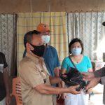 Kapolres Minsel Serahkan Bantuan Bapokting Bagi Korban Bencana Alam di Tumpaan