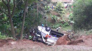 ada-balita-korban-kecelakaan-maut-bus-pariwisata-terjun-ke-jurang-selesai-dievakuasi